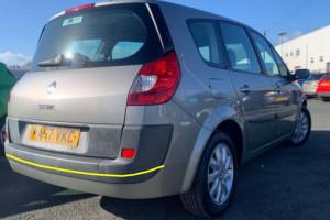 Renault-Gran-Scenic-001