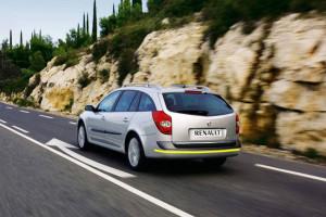 Renault-Laguna-005