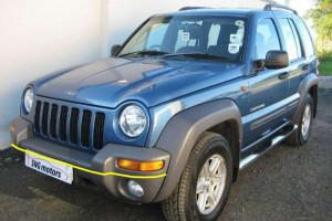 Jeep-Cherokee-001