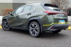 Lexus-UX-002